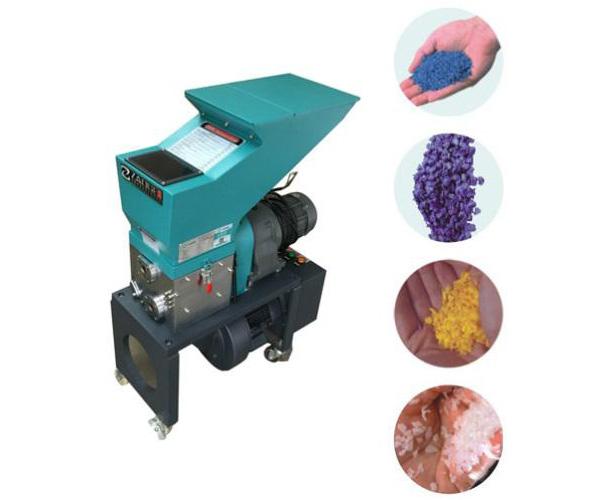 塑料磨粉机是什么设备?